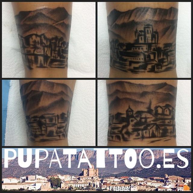 Tatuaje Ciudad de Huesca Pupa Tattoo Granada