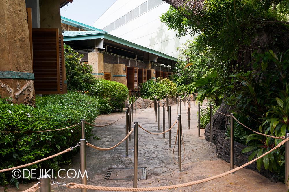 Universal Studios Singapore - HHN3 maze construction 2