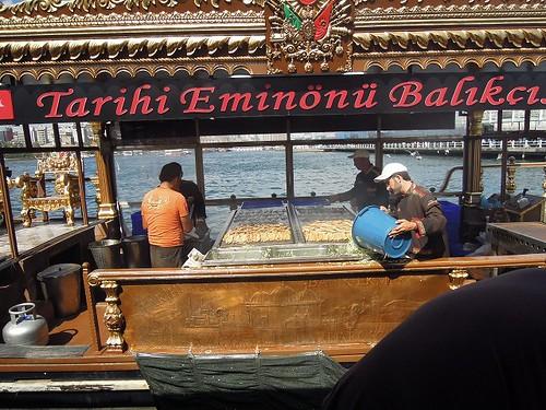 船の上で作るサバサンド