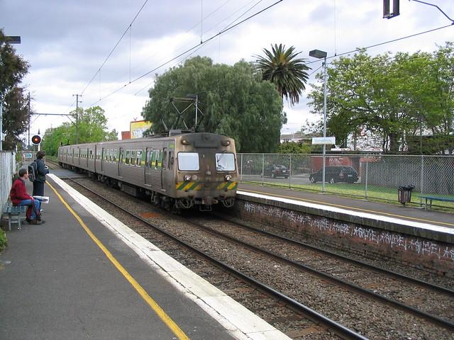Hitachi train at Murrumbeena (October 2003)