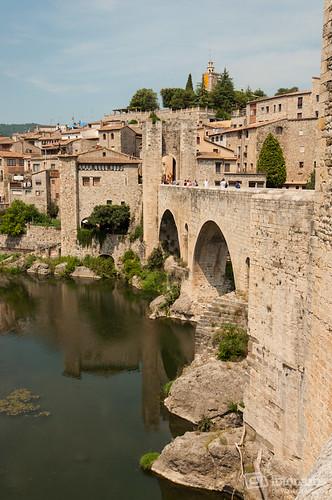 El puente fortificado de Besalú