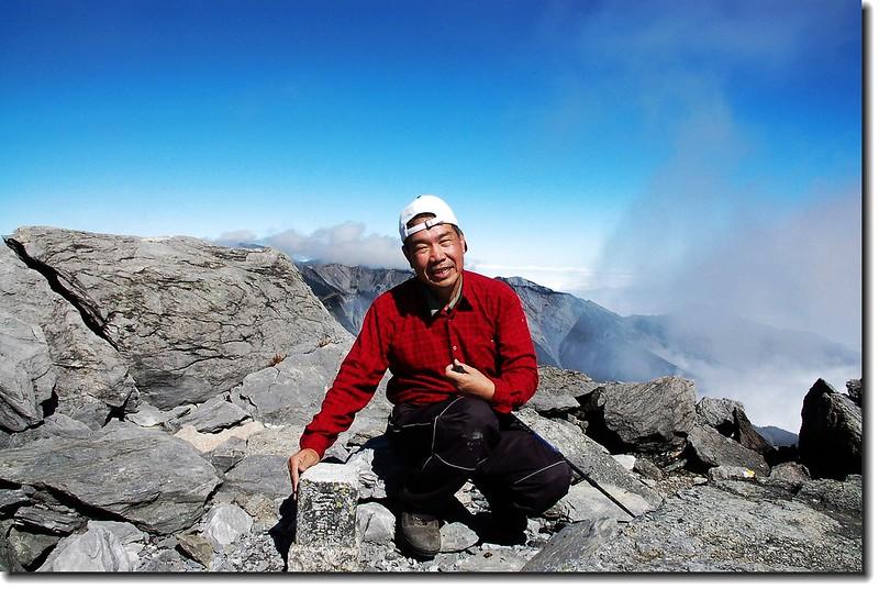 中央尖山山頂(Elev. 3705 m) 1