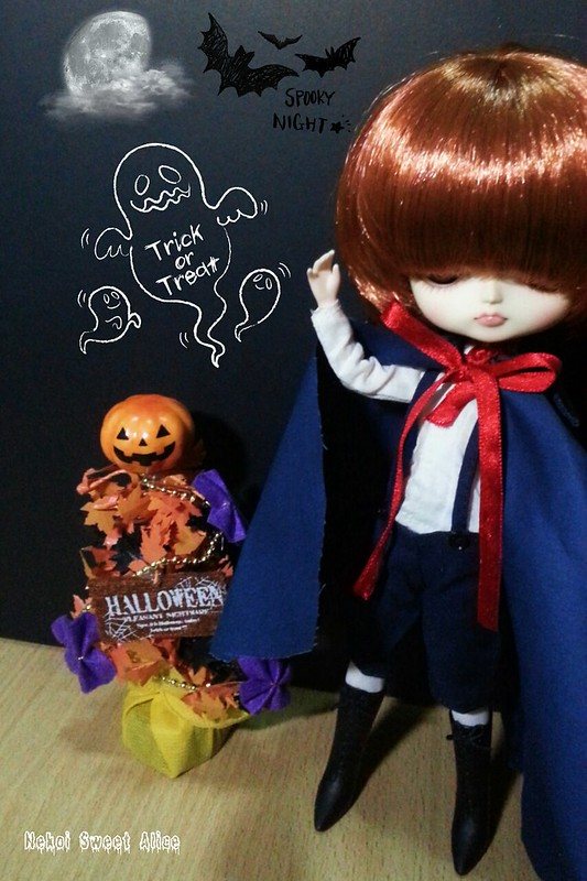 Halloween! Halloween! Trick or Treat! Hey!!