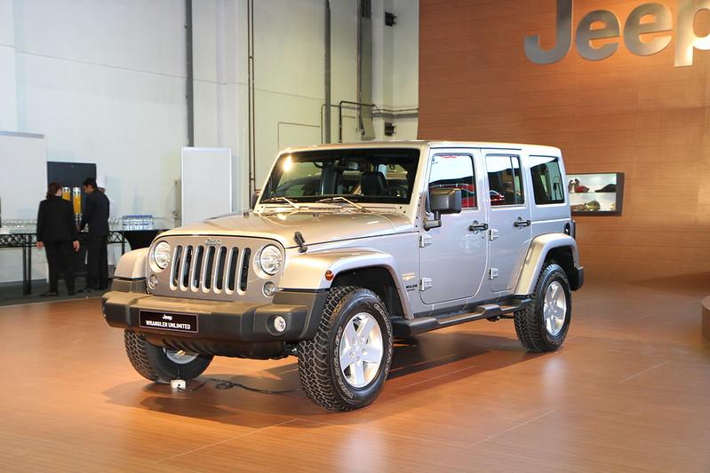 Jeep wrangler unlimited dubai picture dubai informer for Garage jeep luxembourg