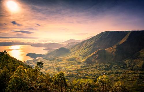 morning travel lake tourism nature sunrise indonesia landscape nikon warm tele 20mm tao toba danau sumatera utara samosir sumaterautara pangururan northsumatera d700