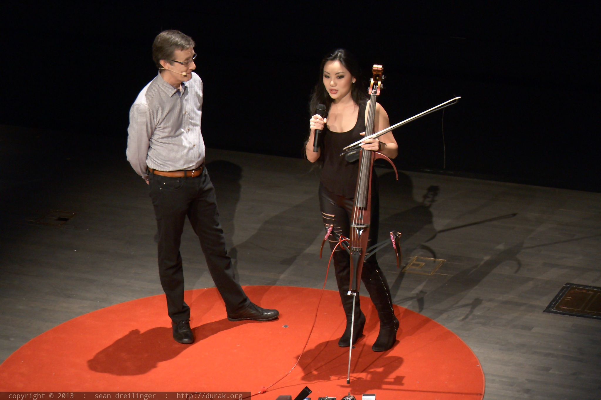 Tigres Et Felins furthermore Tina Guo TEDxSanDiego 2013 likewise File Ford Focus Mk  3 SE  US    Flickr   skinnylawyer also Page2 as well TRACTOR. on international paint