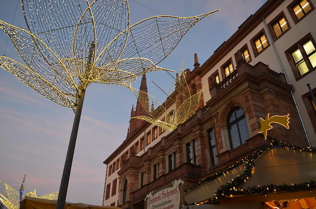 Wiesbaden Sternschnuppenmarkt Christmas lights and Rathaus