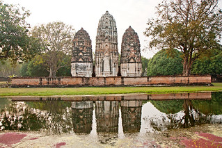 Attēls no  Sukhothai Historical Park pie  Ban Na. thailand asia southeastasia december sukhothai oldsukhothai historicalpark 泰国 สุโขทัย ราชอาณาจักรไทย ประเทศไทย 2013 canonefs1755mmf28isusm watsisawai canon450d อุทยานประวัติศาสตร์สุโขทัย sukhothaimuangkao