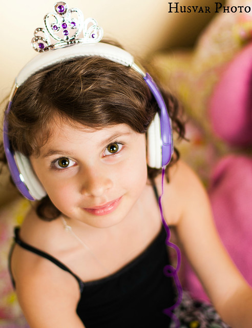sophia the first ekids headphones review in_the_know_mom