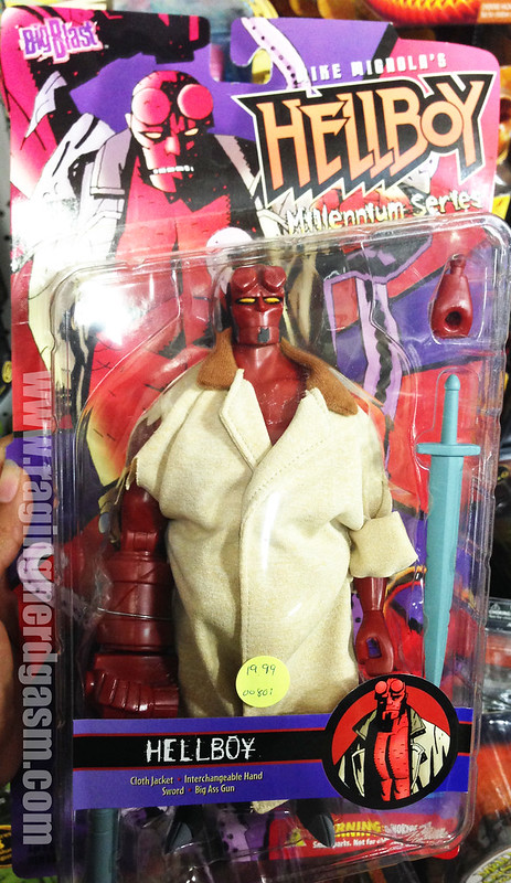 Big Blast Hellboy Millennium Series Hellboy figure