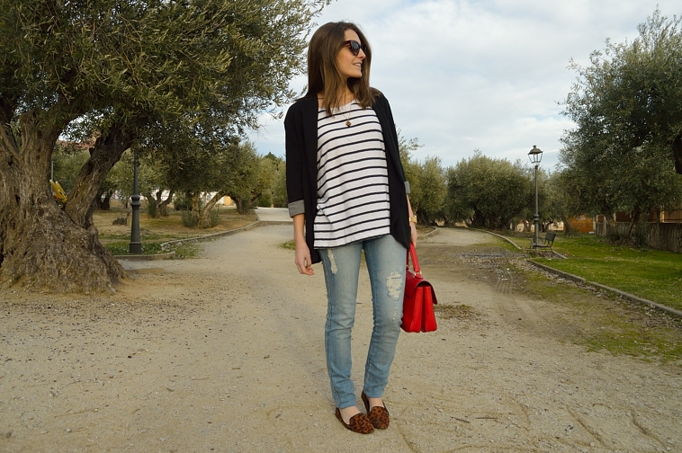 lara-vazquez-madlula-blog-casual-chic-look-stripes-bag-leopard