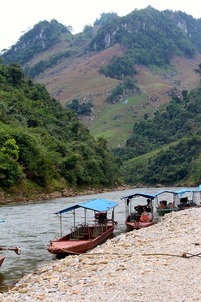 Chay River Boat rivet after Coc Ly Market