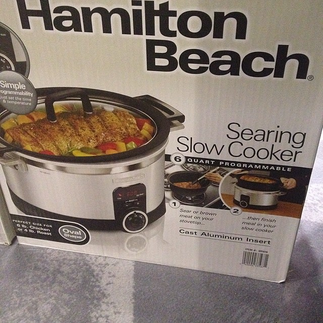 @hamiltonbeach showing off their slow cooker that you can sear on the stovetop too! Hallelujah! #blogherfood #blogherfoodsweepsentry