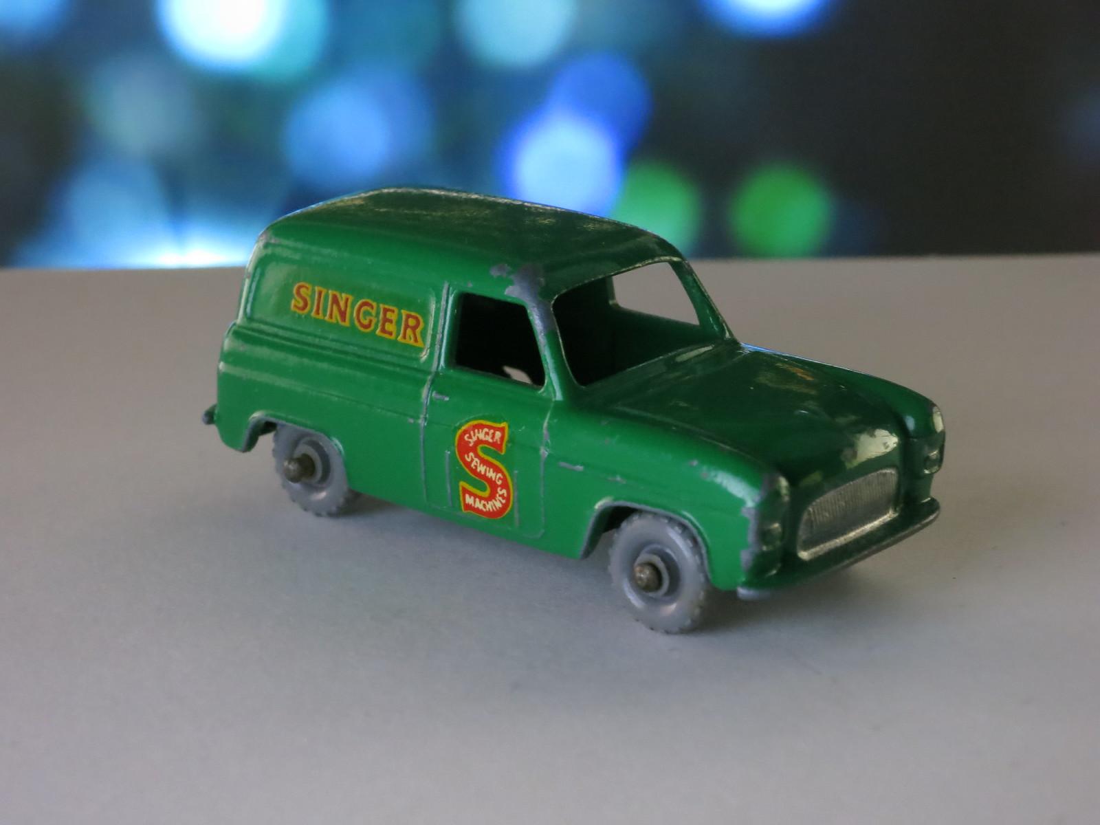 Matchbox Lesney 59a Singer Van Dark Green