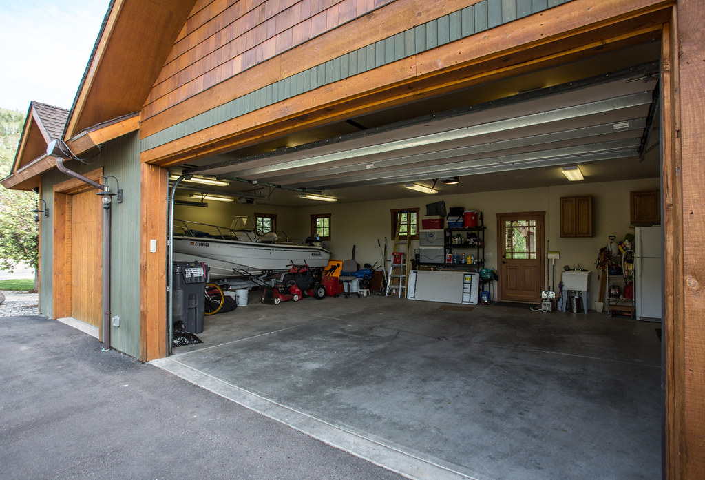 3 car garage, mountain area, Steamboat home for sale
