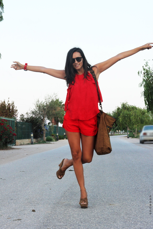 woman red dress coohuco 12