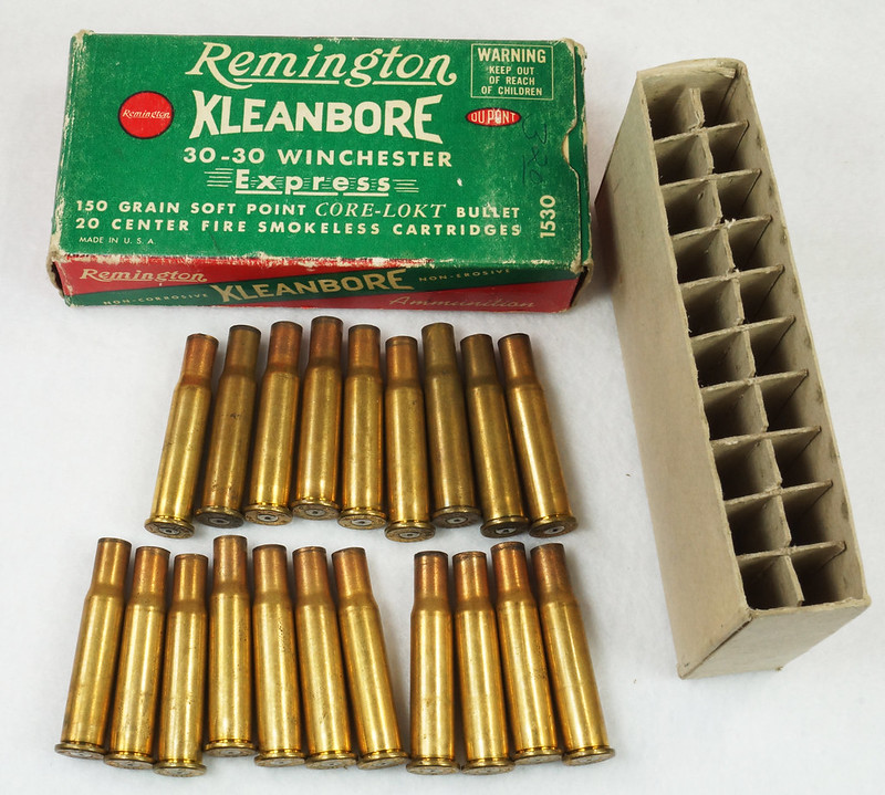 RD14567 Vintage Remington KLEANBORE 30-30 Express 150 gr. Soft Point SMOKELESS Ammo Box & 20 Brass Casings DSC06980