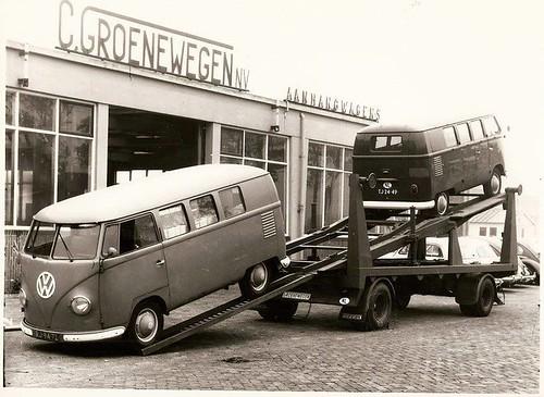 RJ-94-72 Volkswagen Transporter kombi 1958 & TJ-24-49 Volkswagen Transporter kombi 1962