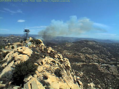fire smoke socal wildfire wildland sandiegocountycalifornia southerncaliforniawildfires hpwrenlyonspeak hpwrenucsdedu lyonspeakeastview sdsuedu