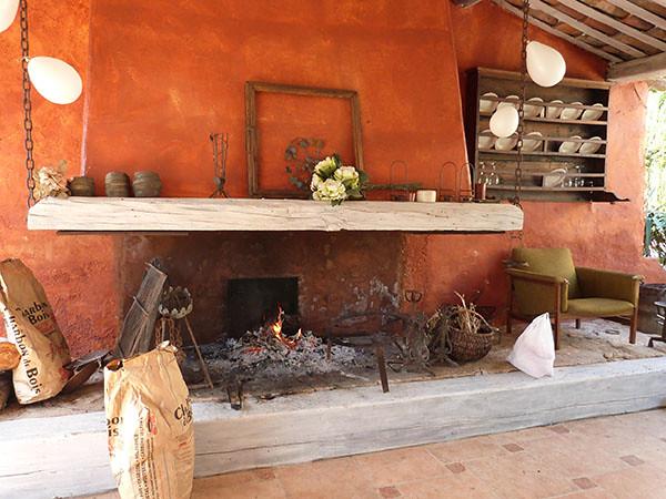 la cheminée du mas alègre