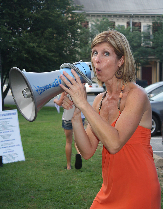 Practing those bullhorn moves