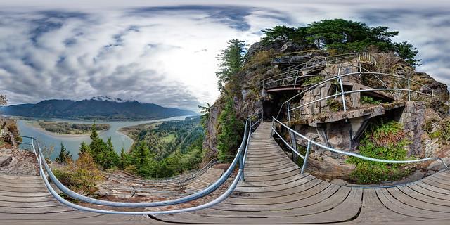Climbing the Beacon Rock Switchbacks