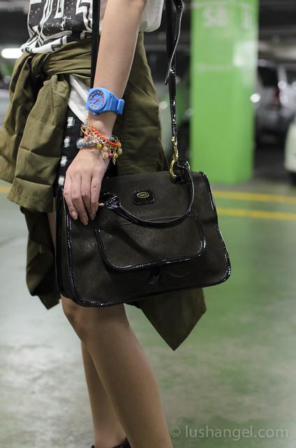 brics-leather-shoulder-bag