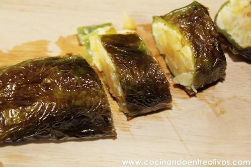 Pimientos verdes rellenos de tortilla de patatas www.cocinandoentreolivos (17)