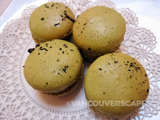 SALONTEA The Romantic (green tea-infused) macaron by Kitchening
