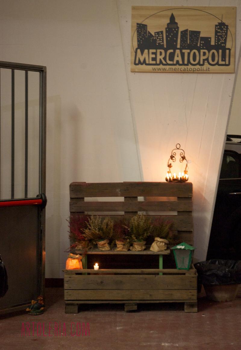 foto in un mercatino di Firenze