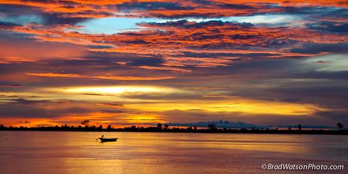 africa sunset landscape boat scenic westafrica mali 2007 mopti nigerriver onthewater bradleycwatson bradwatsonmediacom bradwatsonphoto