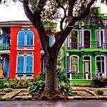 A pair of festive New Orleans houses #onlyinneworleans #nola #neworleans