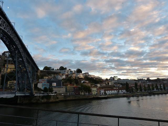 Auringonlasku Porto