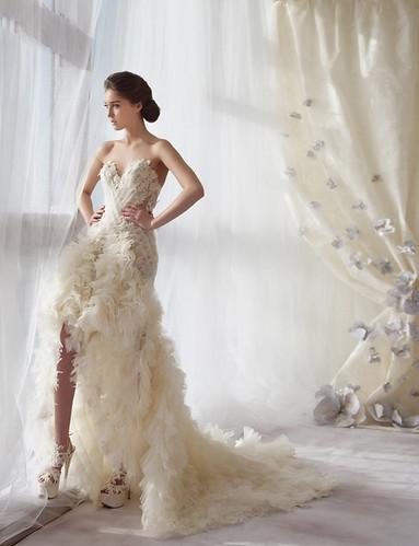 婚紗款搭配凝膠指甲