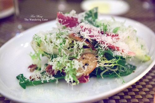 Pear, chicory and frisée salad