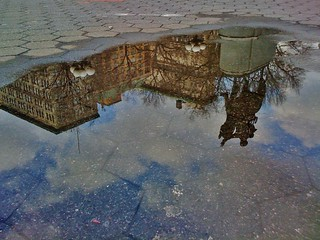 puddle art: union square in new york city (photo uncropped) ------- viewed 430x
