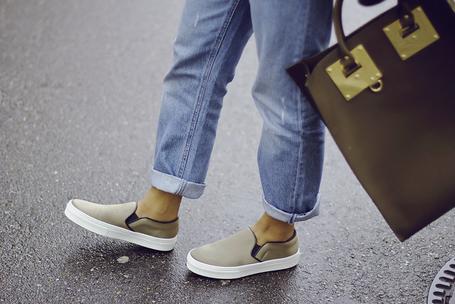 Celine Slipons Khaki Satin- Sigrun Woehr- Saint Laurent Biker Jacket Gasmy Mode Junkie- Sophie Hulme Leather Bag