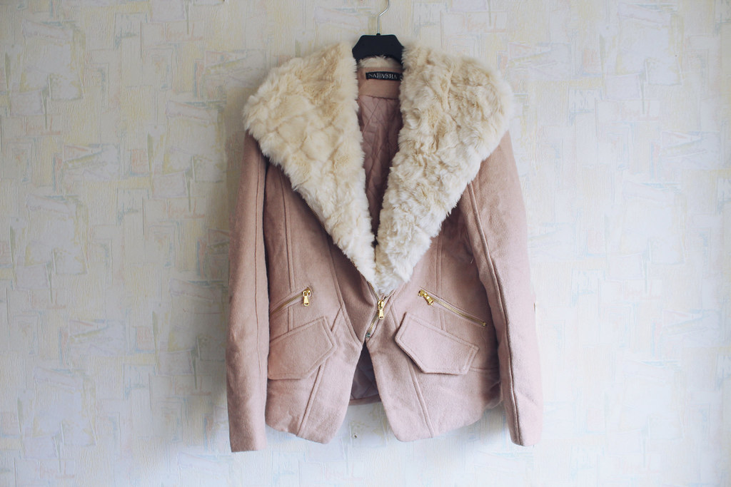 Faux fur collar beige jacket from Sammydress