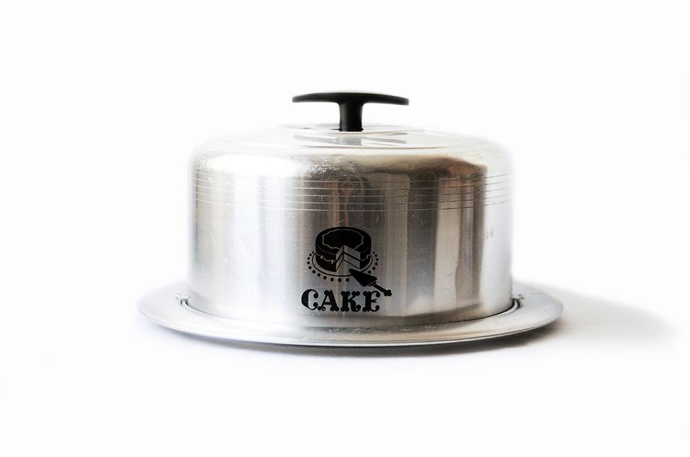 Vintage Metal Cake Box