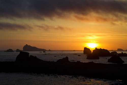 ocean california sunset sun night clouds pacific cloudy crescentcity seastacks flickrcolour pwlandscape