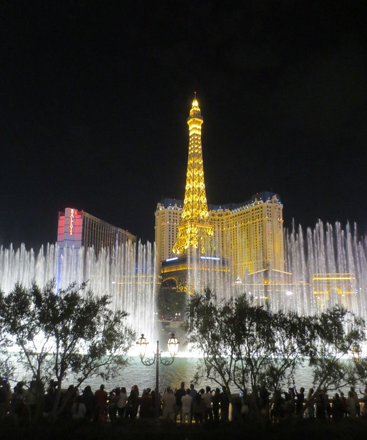 Bellagio fountains and Paris