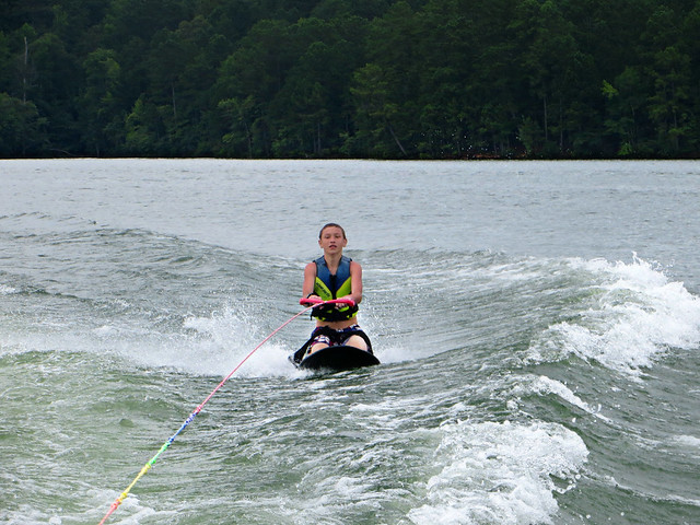194.365 {Knee Boardin'}