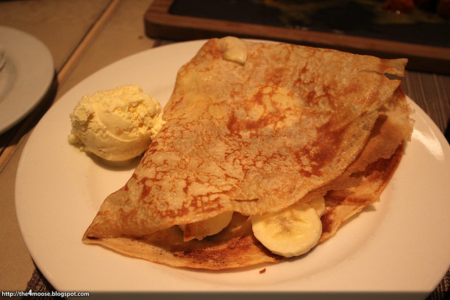 10 at Claymore - Banana Crepe with Ice Cream