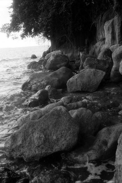 Pantai Sakera