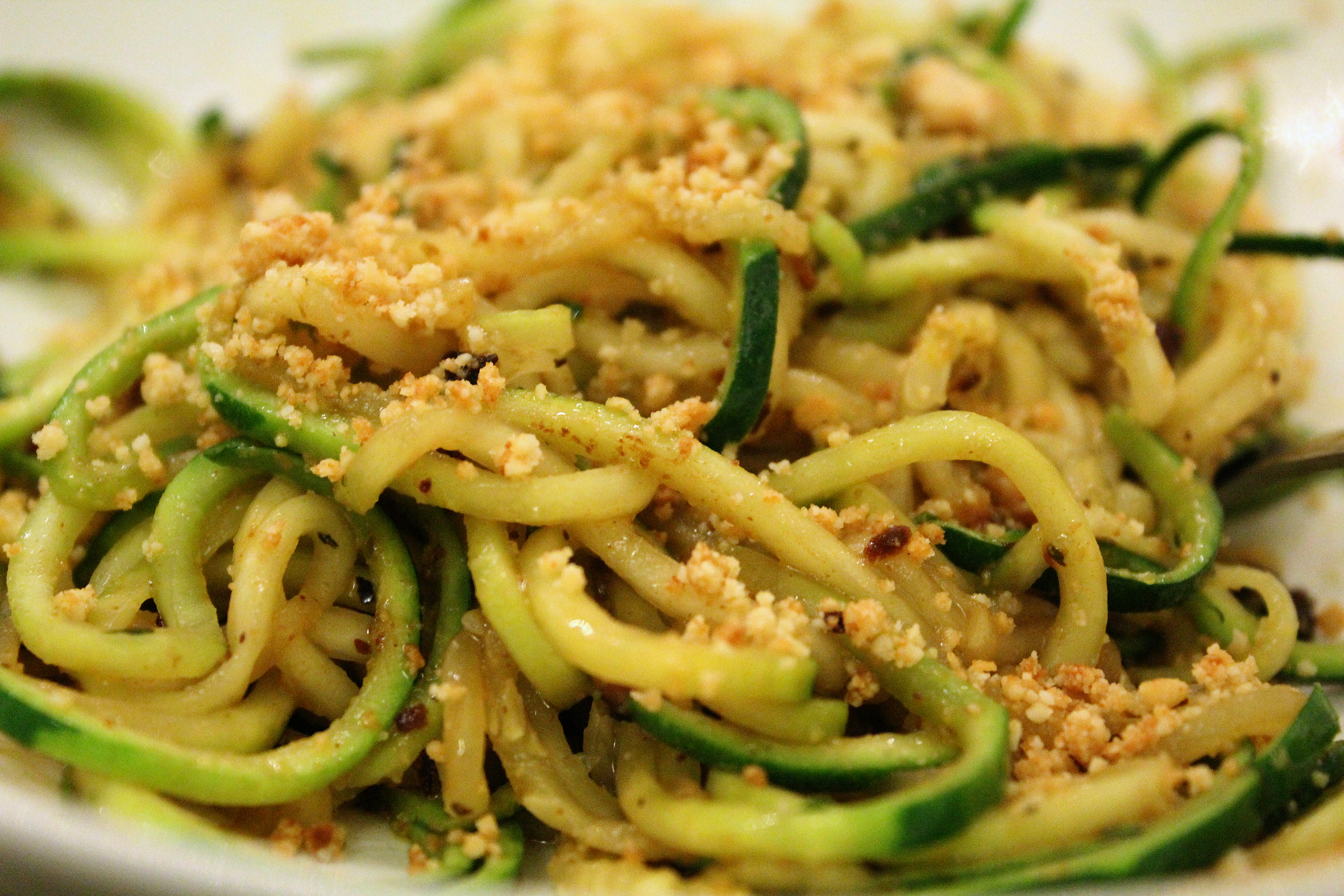 zucchini noodles in oil and garlic zoodles