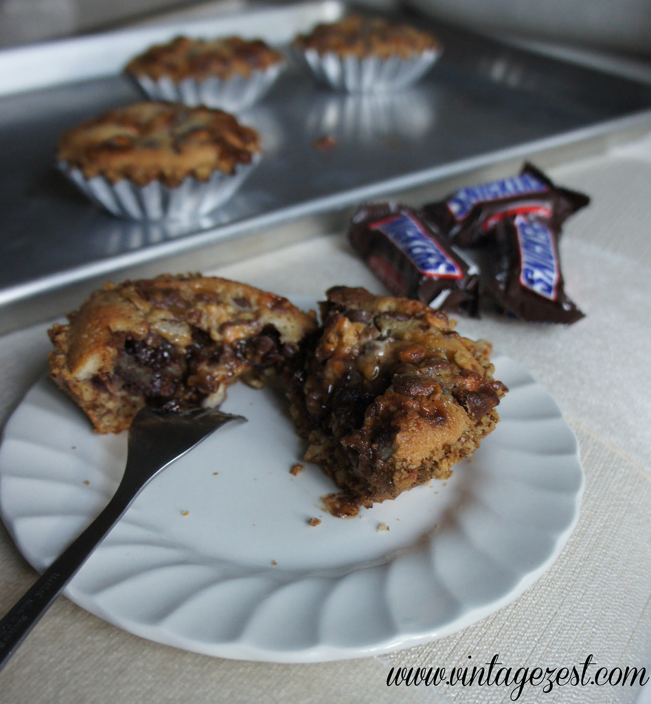 Deep Dish Snickers Cookie Tart with Pretzel Crust Halloween Celebrations Dessert & Punch #SpookyCelebration #shop #cbias #ad 15