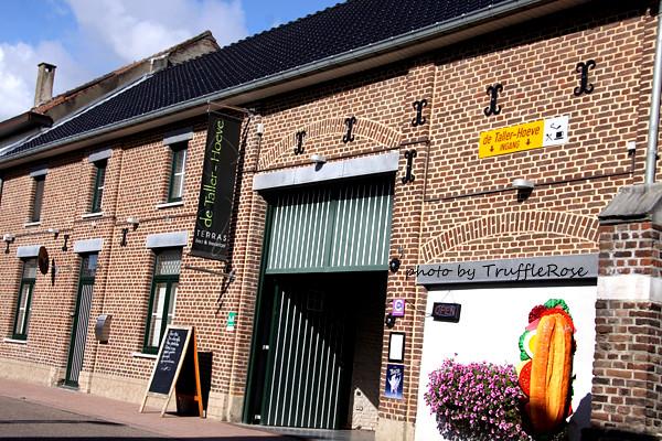 推門聞到麵包香。de Taller-Hoeve B&B-Maasmechelen-20130914