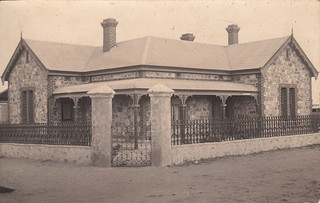 Unidentified house with Adelaide bluestone walls (c.1910)