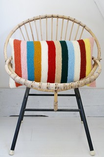 wood & wool knitted harlequin pillow 011