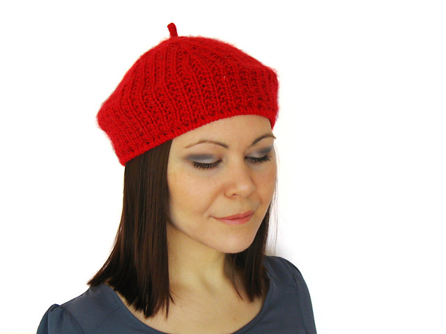 Divot beret in bulky weight